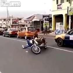 Champion ghanéen d'acrobatie motorisée